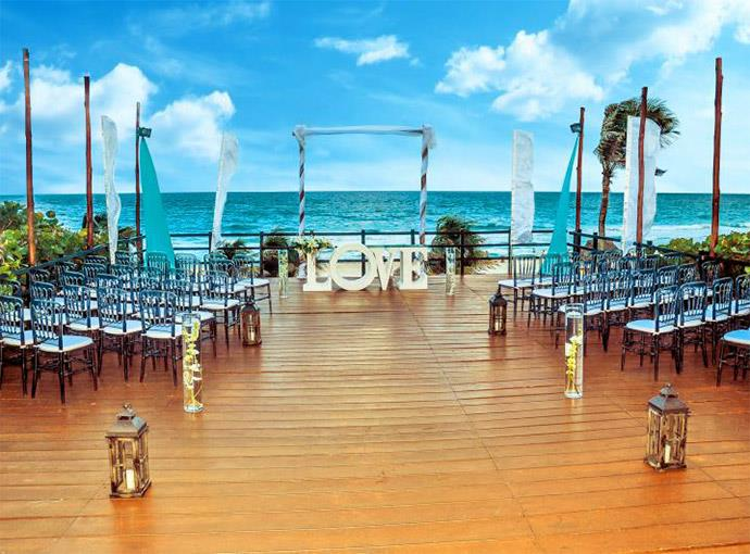 BODA EN LA PLAYA OASIS CANCUN